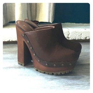 Chunky Heeled Clogs (Like New!)